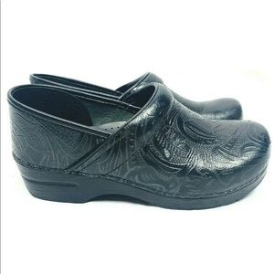 Dansko clog shoes size 40 solid black nursing